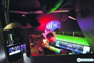 Le tout nouveau bar-club ABC, au balcon de l'ancien cinéma du même nom.