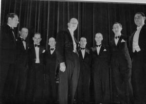 L'orchestre Victor Deszrens en 1936 (lui-même au milieu)