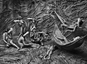 Un groupe d'Indiennes Zo'é, dans la région du Para, au Brésil.