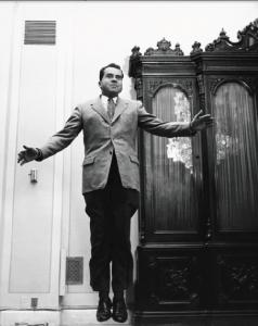 Richard Nixon jumpant !