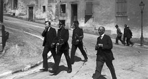 """Arrestation en cours dans les """"Rues basses"""", en 1924."""