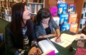 Elmedina et Gabrielle, en dédicace dans une librairie bien connue...