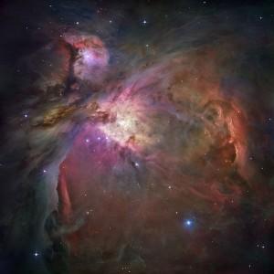 La nébuleuse d'Orient, l'un des objets que j'ai eu l'occas d'observer au télescope. J'en voyais assez bien la forme, mais sans couleurs. Pour cette photo, tous les appareils d'Hubble ont été utilisé lors de 105 orbites successives ! © NASA & ESA, 2006