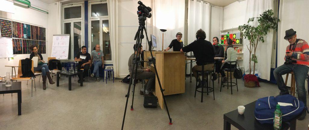 Petit tour d'horizon : Radio Django occupe une salle de classe à Pôle Sud