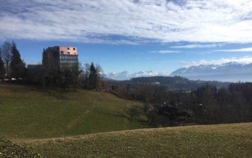 Vue Sud-Ouest, avec notamment l'hôpital Sylvana, où nombre de convalescents du CHUV sont envoyés.