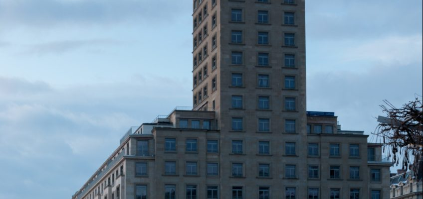 Un regard sur Lausanne : Gagner à l'Euro Millions et aller vivre au sommet de la Tour Bel-Air