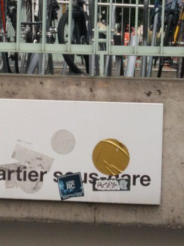 A la gare de Lausanne, mon préféré, un peu plissé.