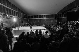 Match d'impro : sur une patinoire ! (Photo : © IMPRO SUISSE)